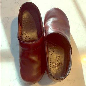 Dansko Clogs Size 11 (41) - Maroon Leather